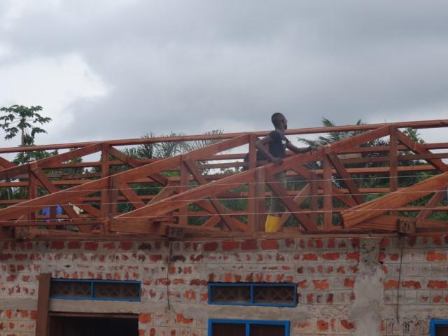 roof repairs- 15Sept (1) [640x480].JPG