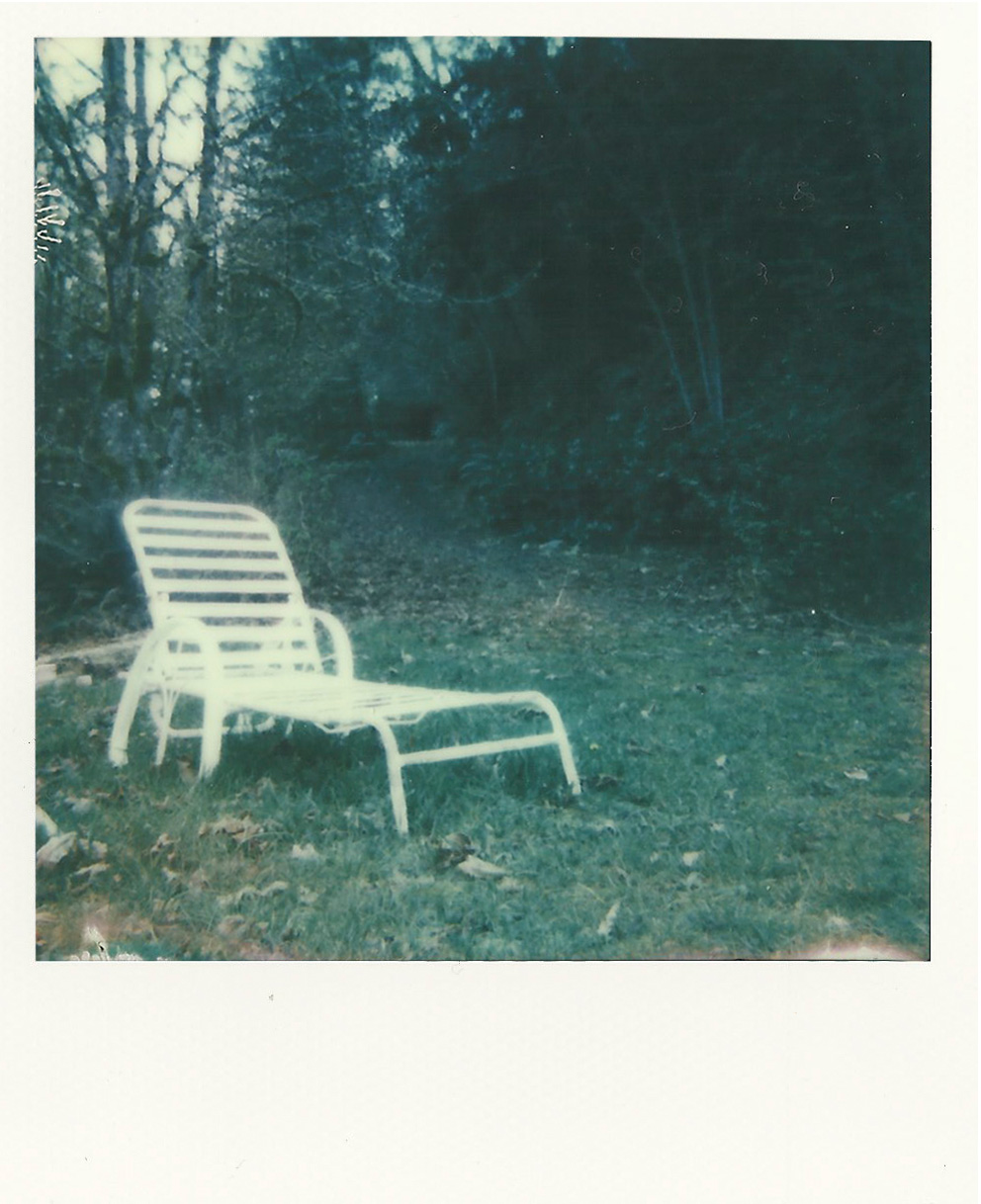 chaironwhite.jpg
