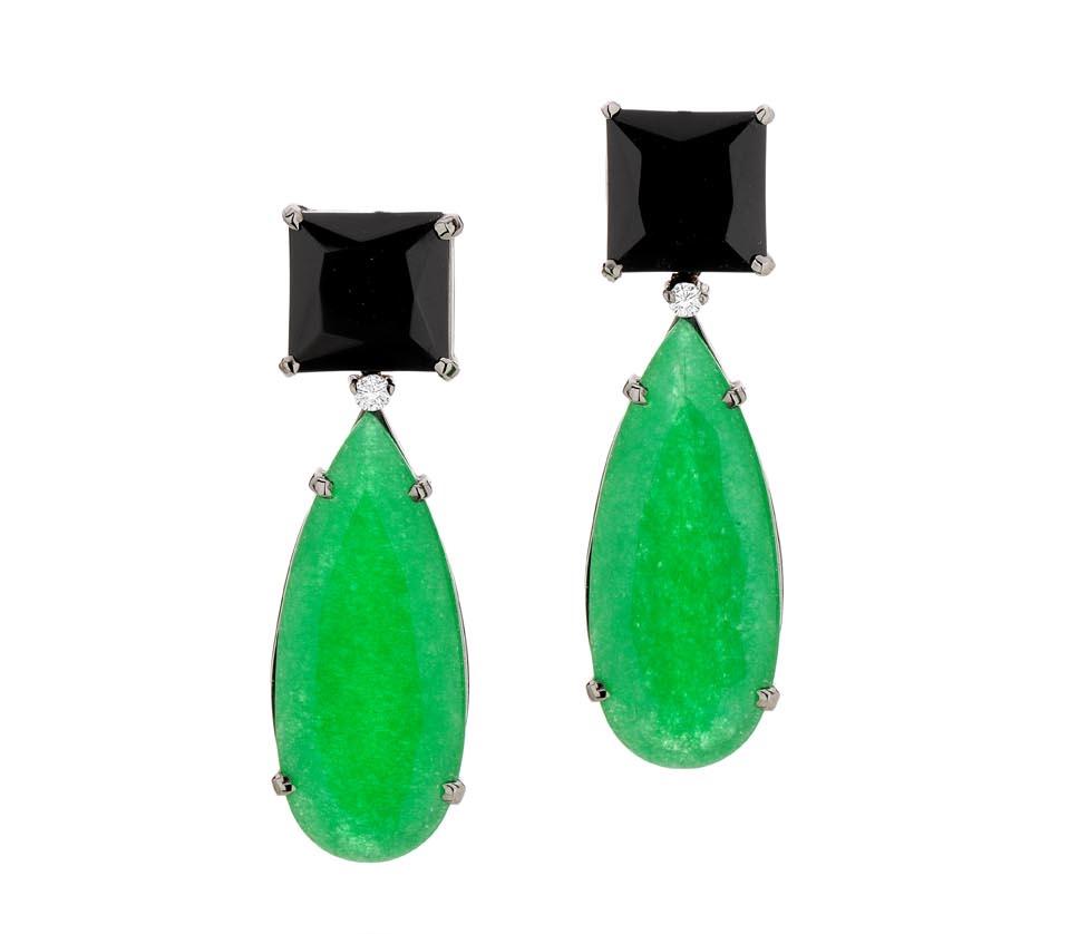 Brinco Jade   Ouro branco 18k, jades, quartzos negros e diamantes  R$ 3900,00  LMCPBRJAD