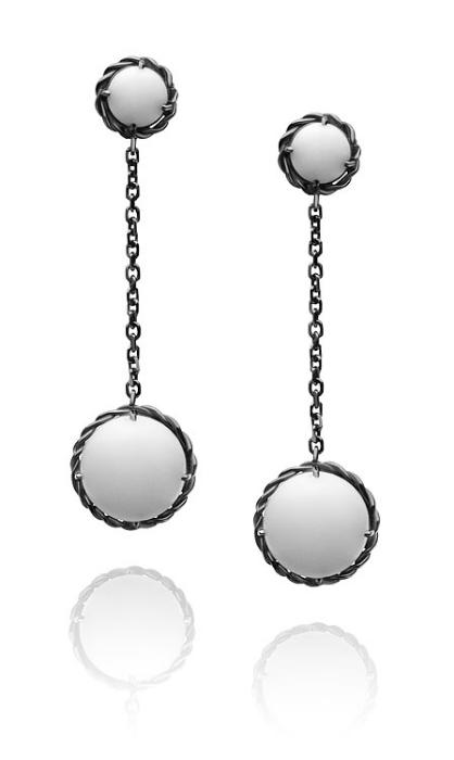 Brinco Positano   Prata com ródio negro e ágatas brancas  R$ 620,00  Cod. LMALBRPOS