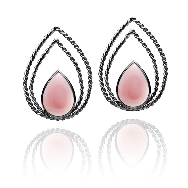 Brinco Monterosso   Prata com ródio negro e madre pérola rosa  R$ 580,00  Cod. LMALBRMTR