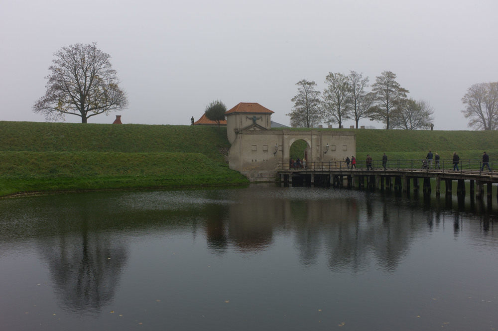 The bridge from the city to Kastellet and the Zealand Gate