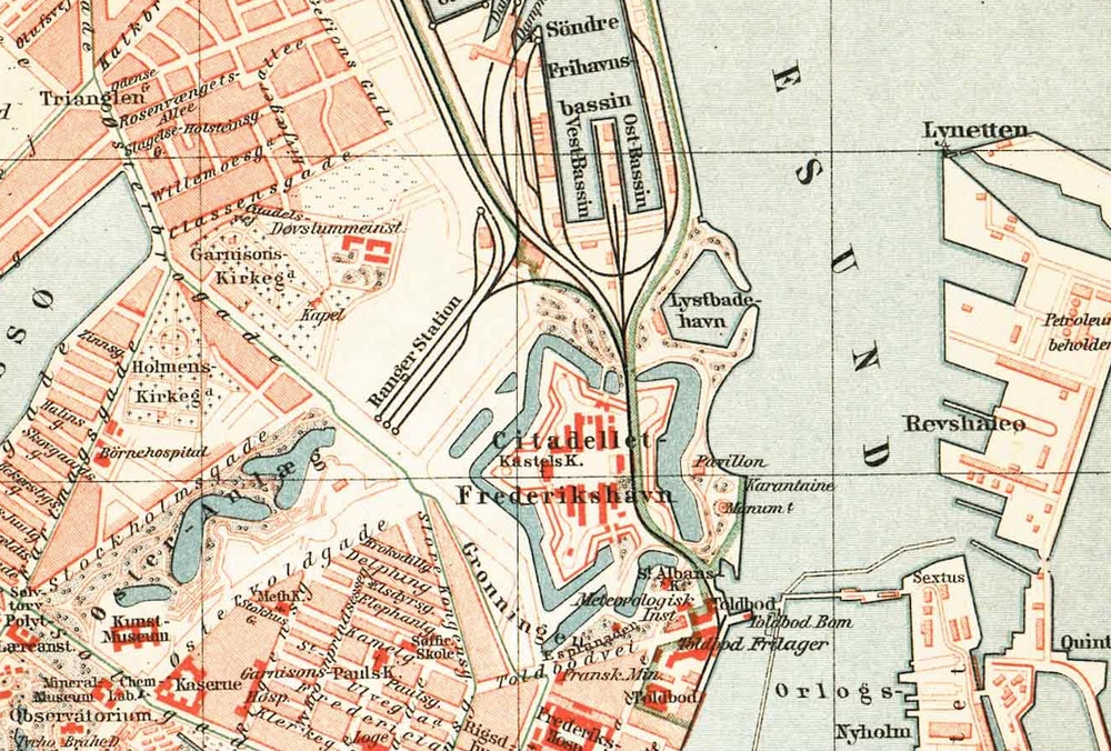 Map showing the Free Port and the railway from the main harbour that cut across the east side of the Kastellet. Note, when this map was produced, Østerport was a terminal for the railway from the north. It was only in 1917 that a series of cuts and tunnels were constructed so that trains could continue through to the central station.