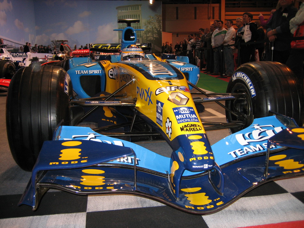 Renault F1 car at the Autosport show
