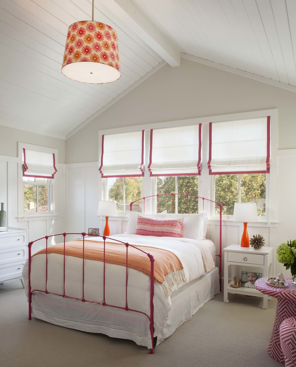 Modern Farmhouse: Girl's bedroom