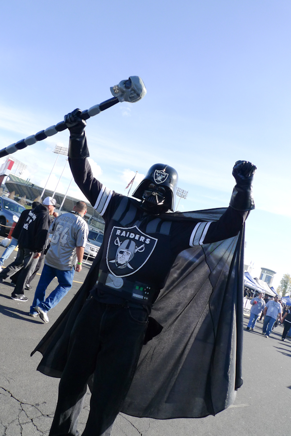 Oakland Raiders Darkside Fan