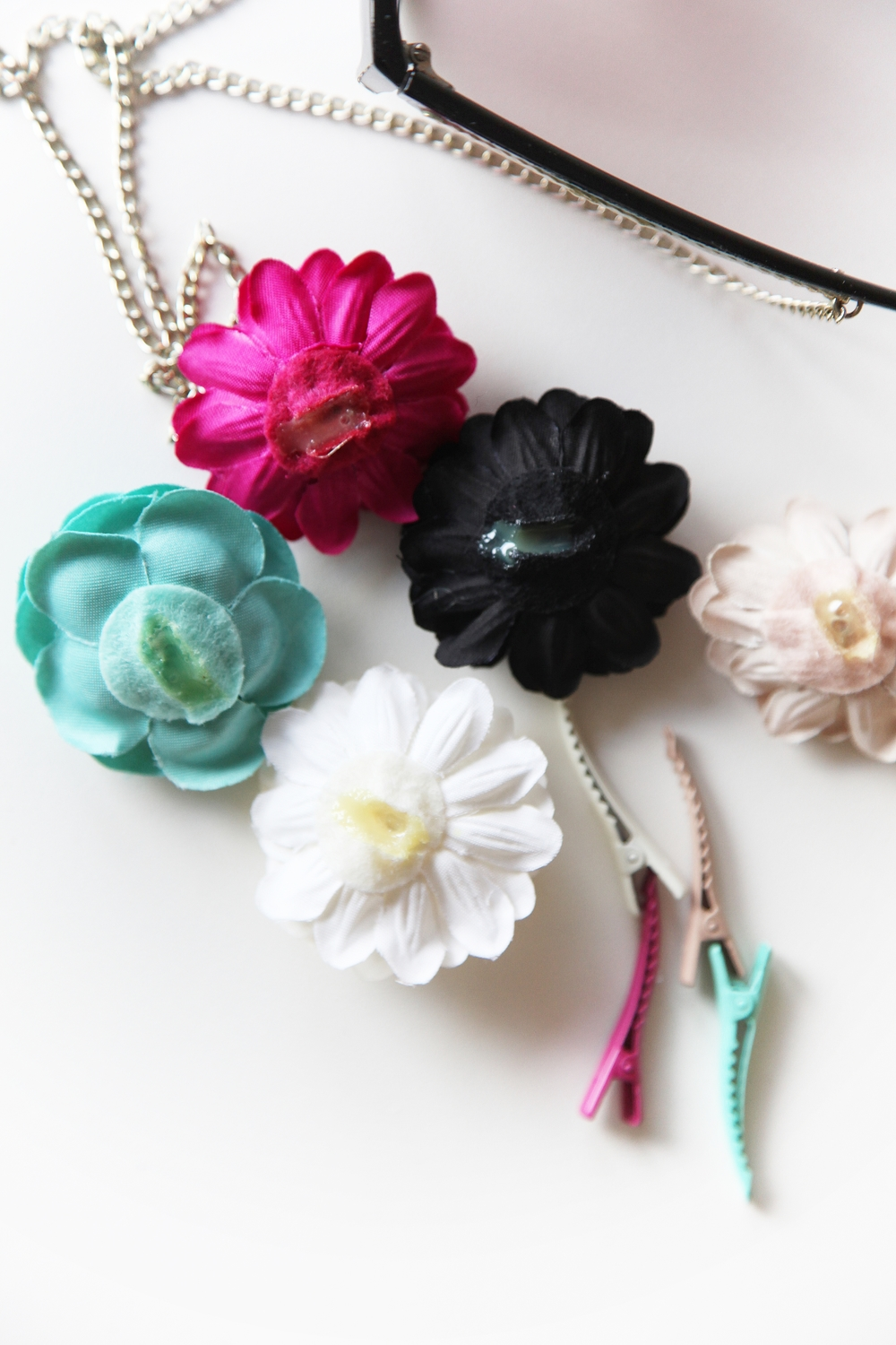 H&M floral hairpins glue