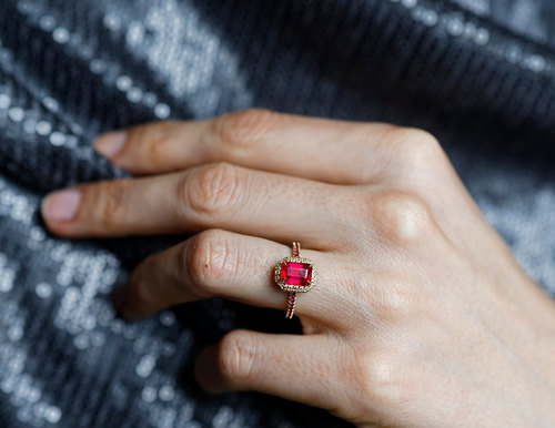 18 unconventional Engagement Rings youll love DYROGUE