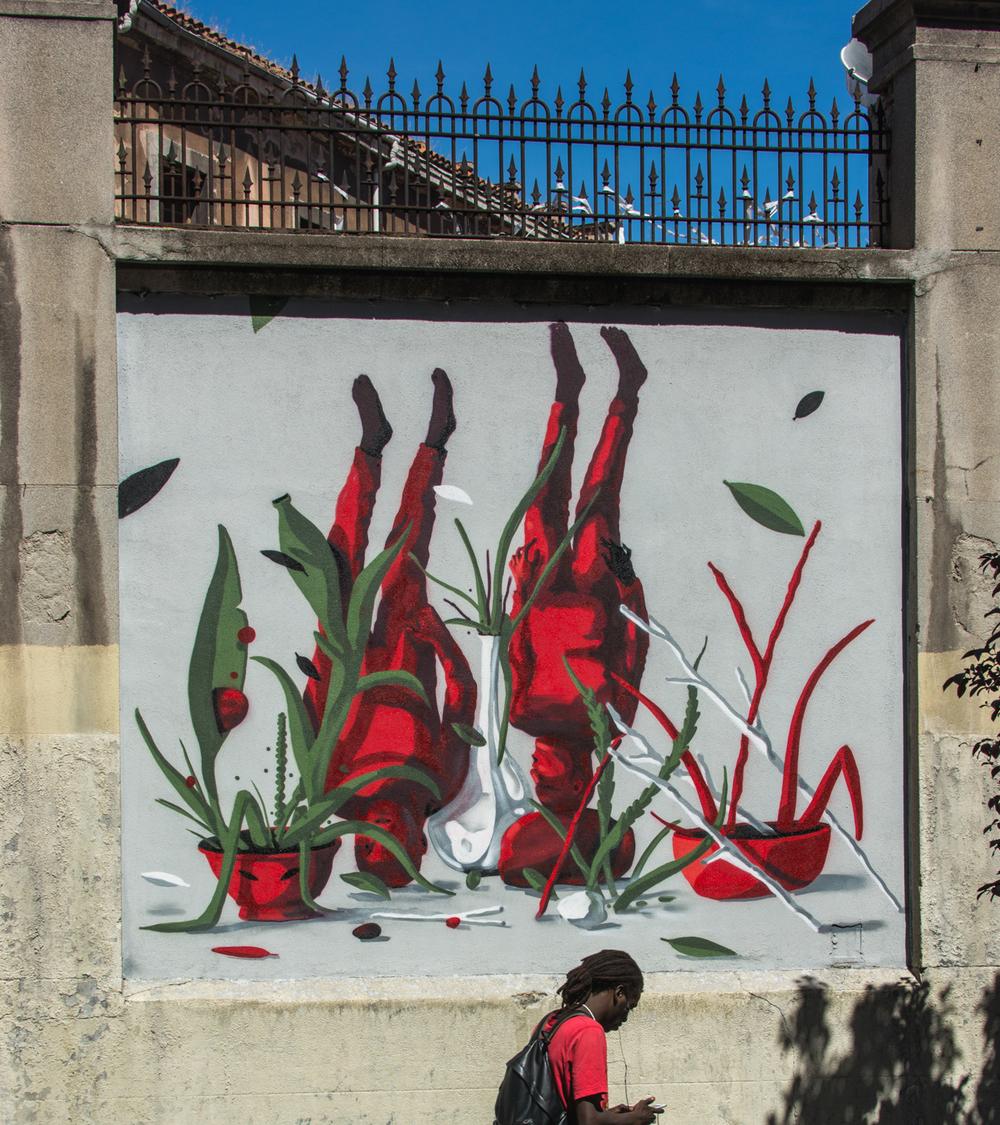 Lolo final - MurosTabacalera by Guillermo de la Madrid - Madrid Street Art Project.jpg