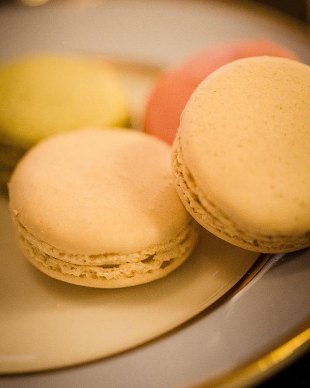 Plate of macaroons at Maison Ladurée in Paris, c. 2014. [canon 6d]  #macaroon #canonfanphoto #teamcanon #dessert #paris #travel #photography #foodgram #foodgasm #bonappétit #foodporn #foodstagram #dessertsgram #lauderee
