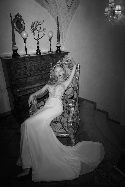 Mira-Couture-Netta-Benshabu-Kirra-Wedding-Bridal-Dress-Gown-Chicago-Boutique-Full.jpg