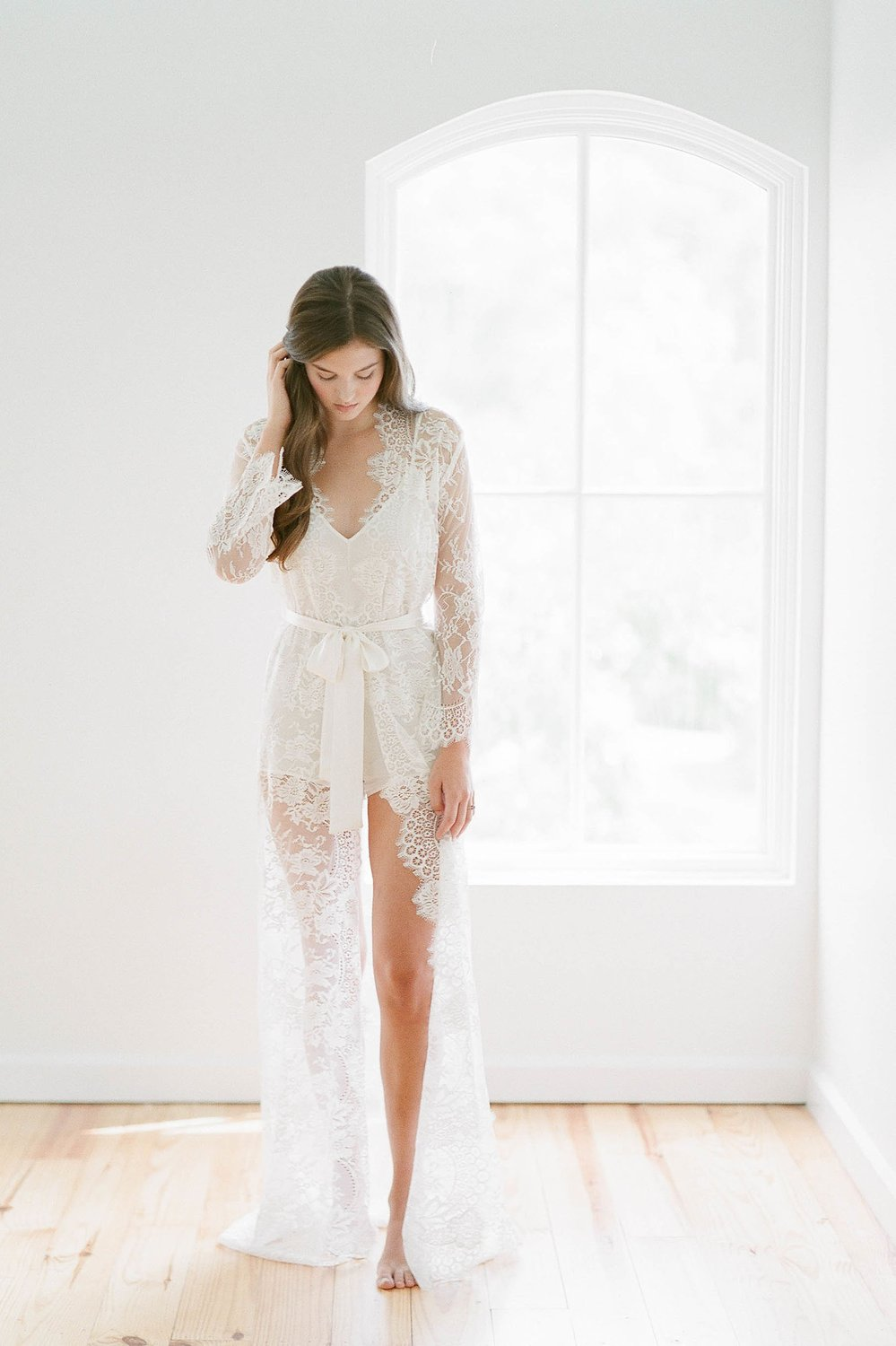 SWAN QUEEN LONG LACE ROBE