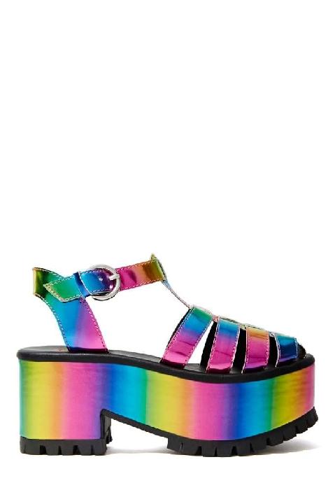 YRU Chariot Platform Lyndley Trends Sally Lyndley Fashion Stylist