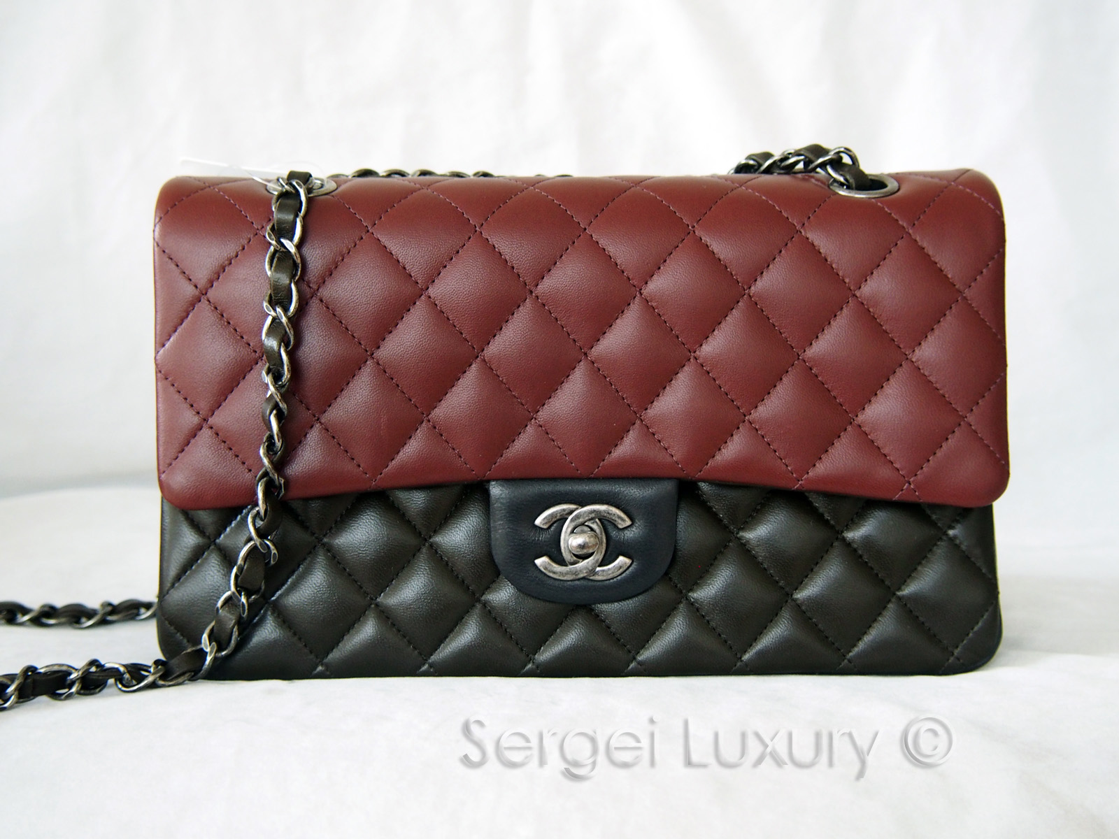 cceae4263b566a NEW Authentic CHANEL Tricolor Edimbourg Medium Classic Flap Leather ...