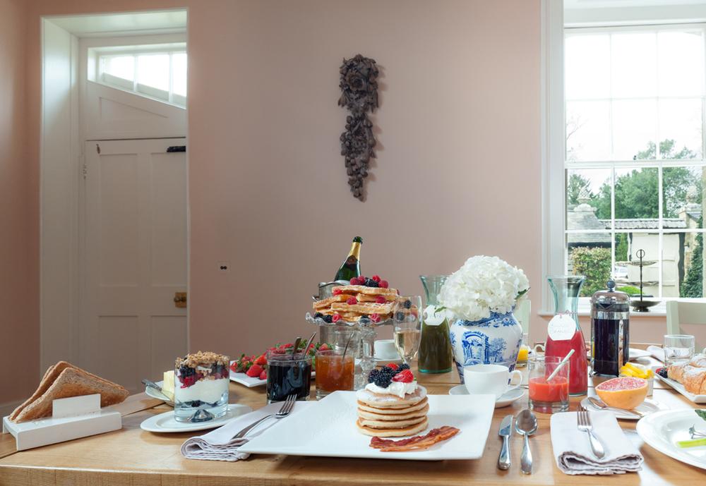 Breakfast Table ThroughTo Courtyard_0000 copy.jpg