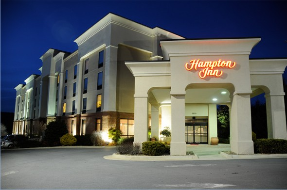 hampton_inn_front_royal_facade-590x392.jpg