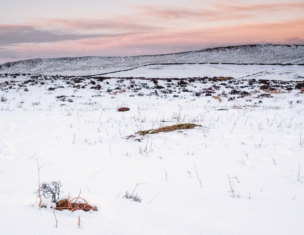 Curbar Edge in the Snow at Sunset.  Fujifilm X-T1 + 18-135mm @ 29.3mm. f/11. 1/8. ISO 250