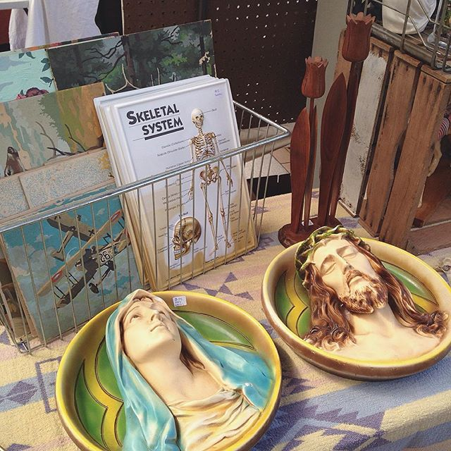 The @vintagestreetmarket is going strong at the @dtmarketgr today! We're here until 4pm, stop by for some vintage treasures! #vintage #midcentury #oddities #kitsch #mothersday #homedecor #anatomy #paintbynumber #fleamarket #grandrapids #michigan