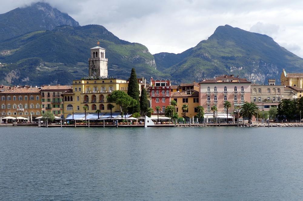 Riva_del_Garda,_Italy.jpg