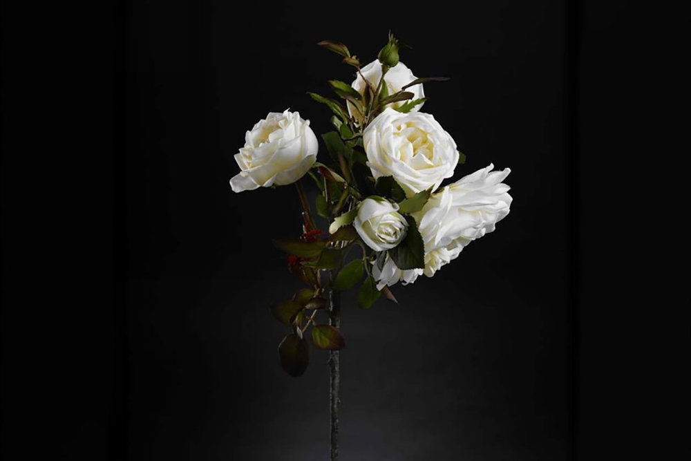 Faux flowers by VG New Trend - Masha Shapiro Agency.jpg