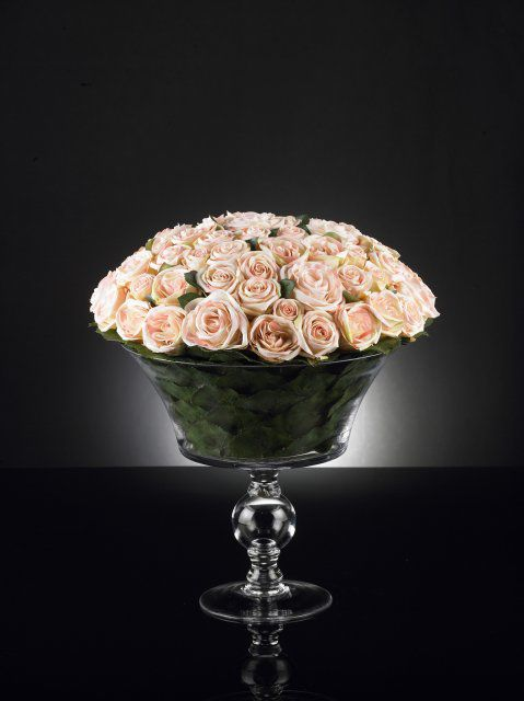 Table floral arrangment by VG New Trend - Masha Shapiro Agency.jpg