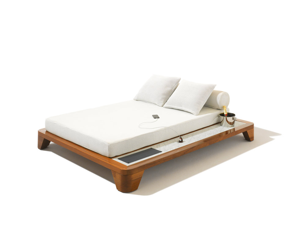 Seora - Grand Belvedere Daybed with Smartbrella Technology - Masha Shapiro Agency UK.jpg