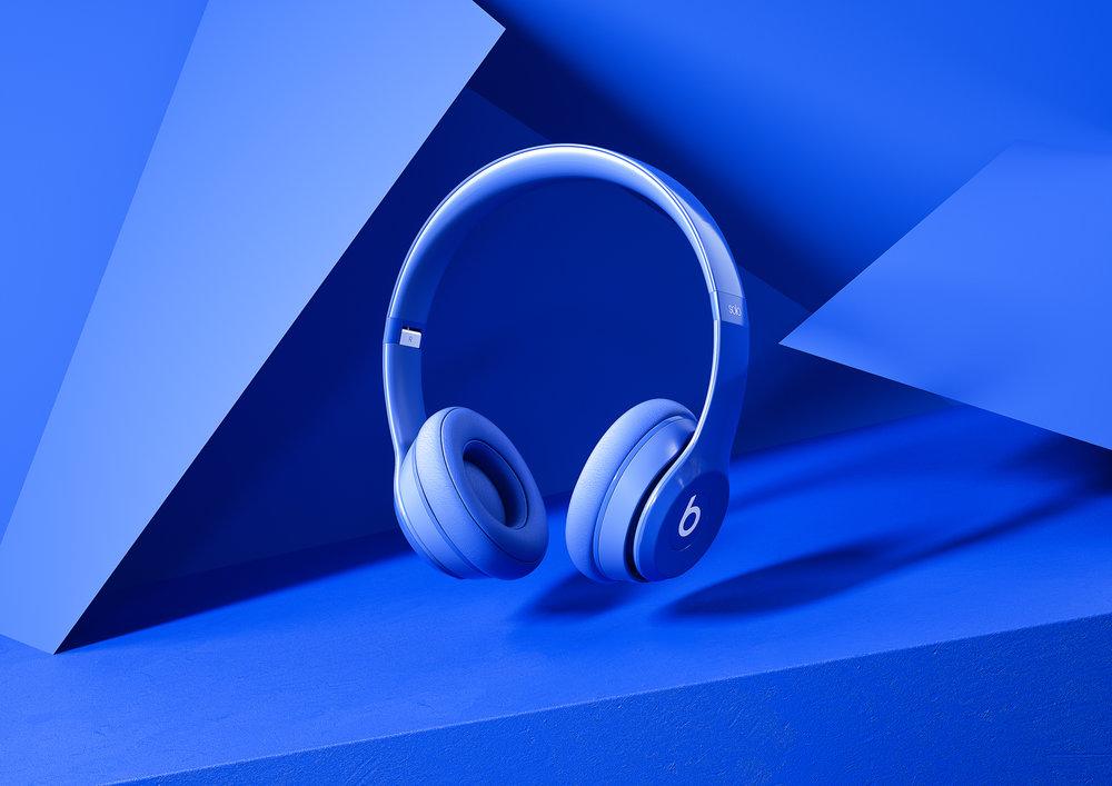BeatsByDre_Scene_Blue_01_01.jpg