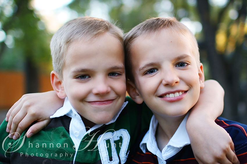 twin boys by Temple TX photographer