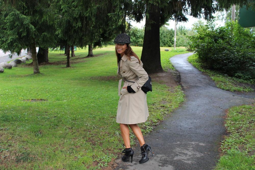 Burberry coat // Burberry boots // Burberry flatcap // Chanel bag
