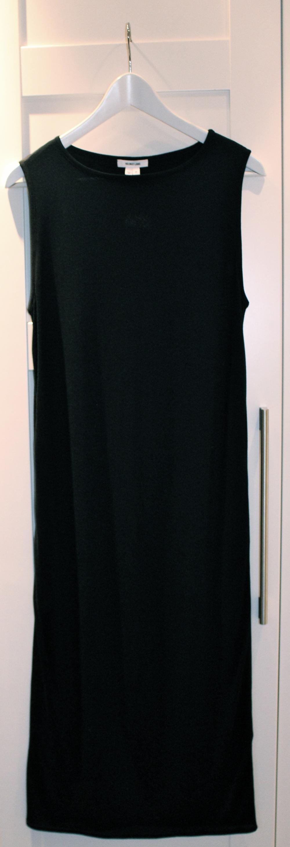 Sånn foregår det altså. Bla bla bla bla bla og så passer klærne. Veldig hyggelig å besøke Charlotte<3. Helmut kjolen PRE-Charlotte.