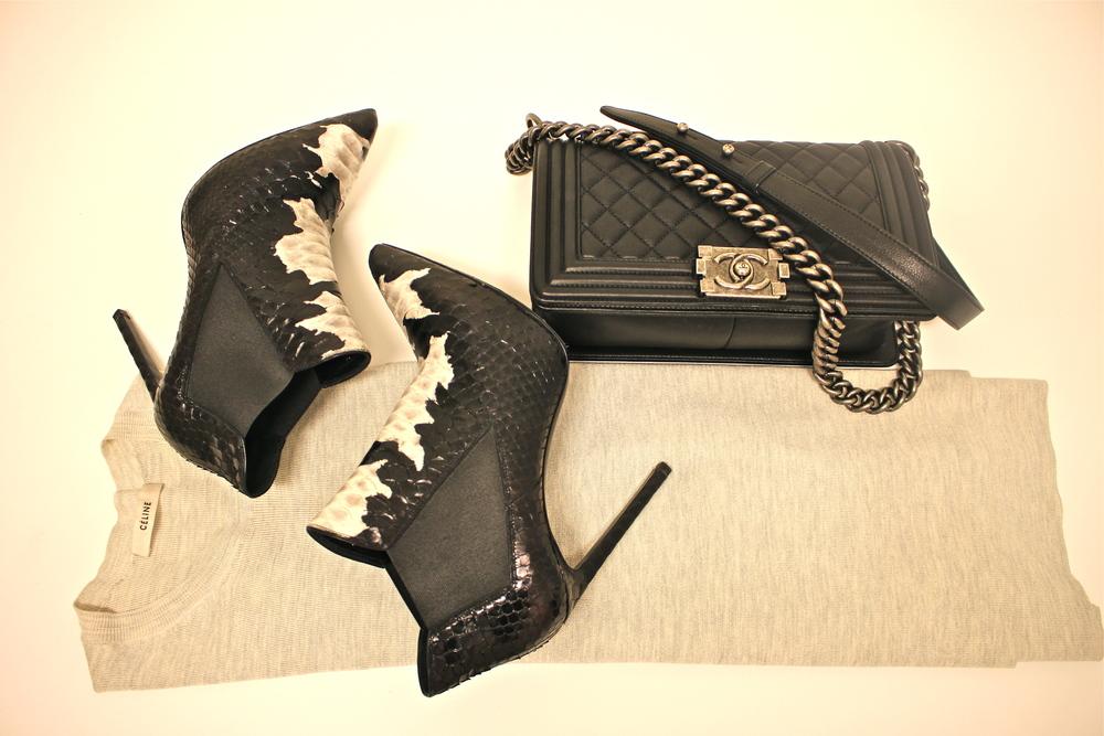 Genser fra Celine, veske fra Chanel og boots fra Saint Laurent
