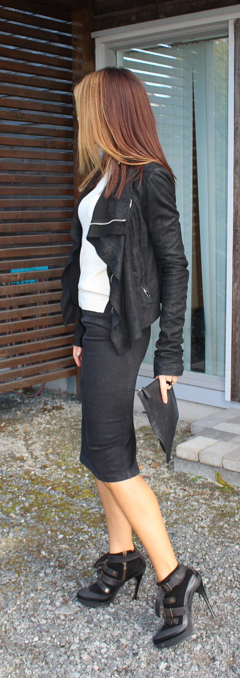 ...og håret er Anne Mette:) Det ser litt mer rødt ut på bildet enn det egentelig er, Jeg er superfornøyd!