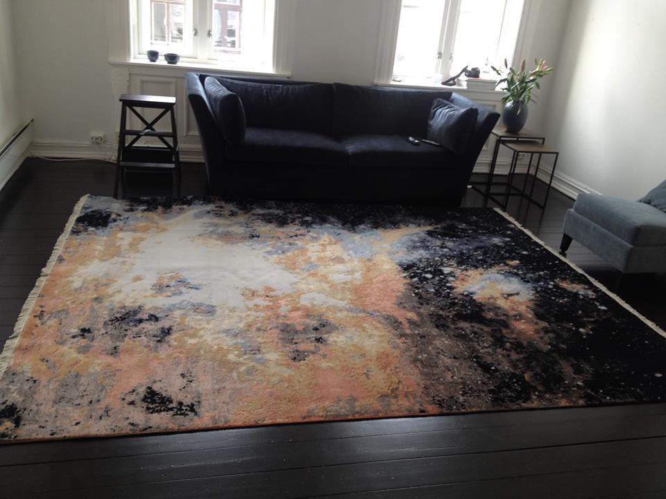 Fantastisk!!! teppe fra Celine igjen. Dette viste seg å være for stort og veeeldig dyrt for meg. Men det er akkurat et slikt teppe jeg leter etter til stuen.