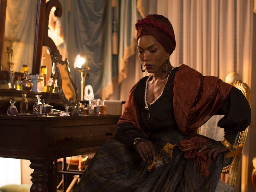 OUTSTANDING SUPPORTING ACTRESS IN A MINISERIES OR MOVIE ANGELA BASSET - AHS: COVEN