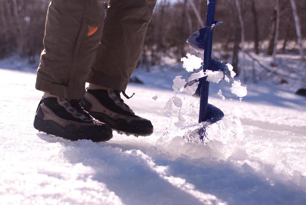 ice fishing-1.jpg