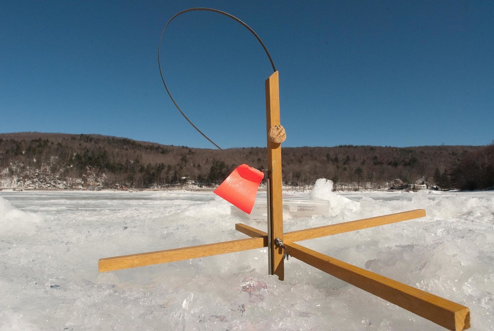 ice fishing-2.jpg