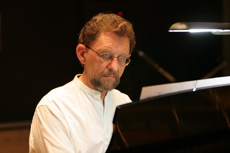 Albert Krywolt, Piano