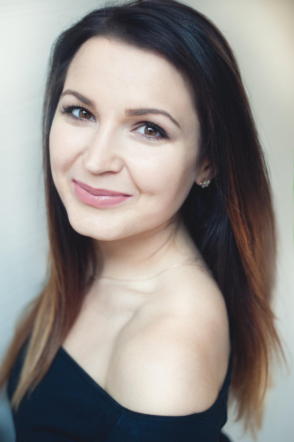 Kateryna Khartova  (Soprano)
