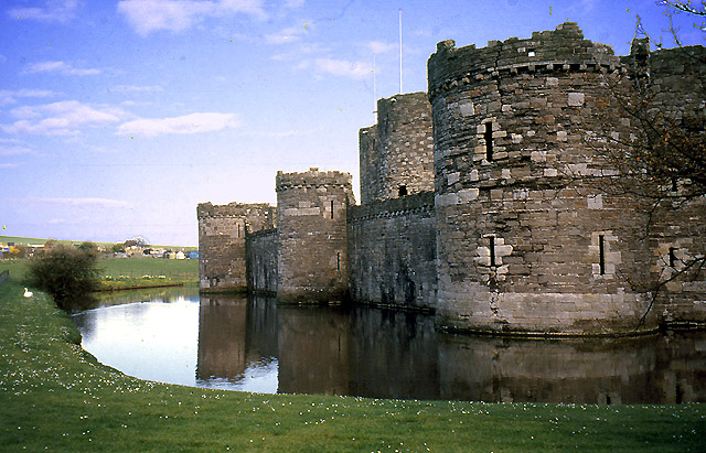 Beaumaris_Castle_-_geograph.org.uk_-_28577.jpg