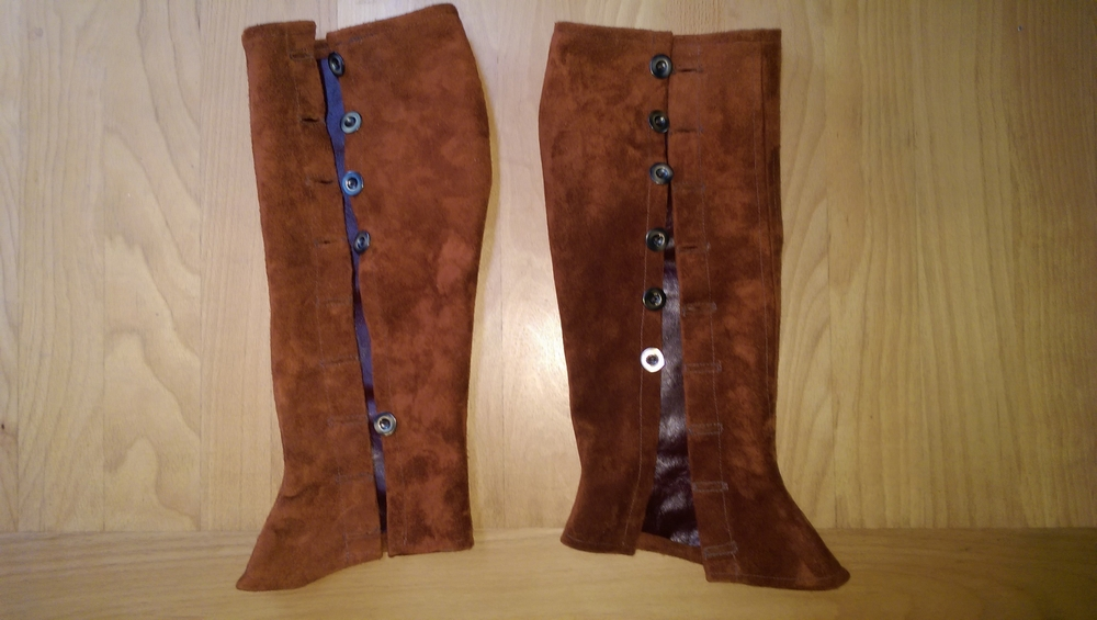 Both gaiters completed with buttons and button holes