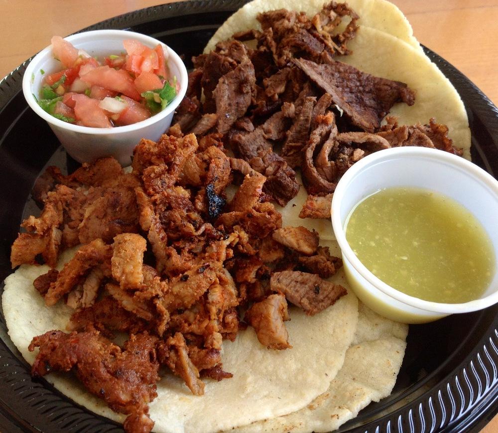 Tacos de Chorizo & Tacos de Chuleta