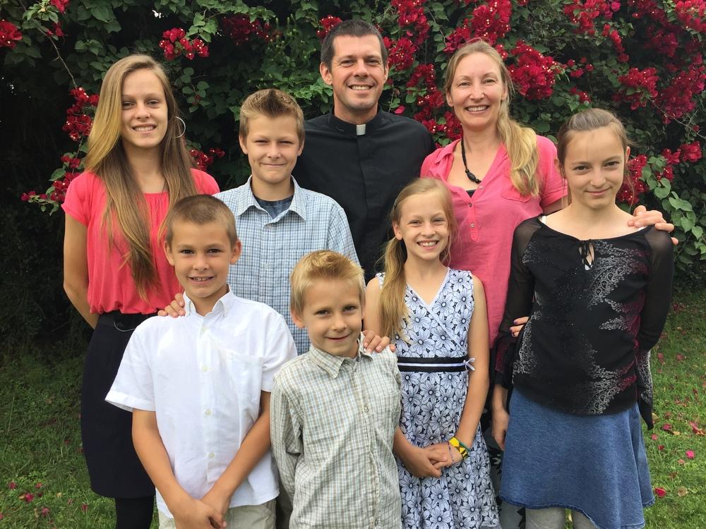 James, Tiina, Maggie, Tristan, Sarai, Sophia, Jonas, & Matthew