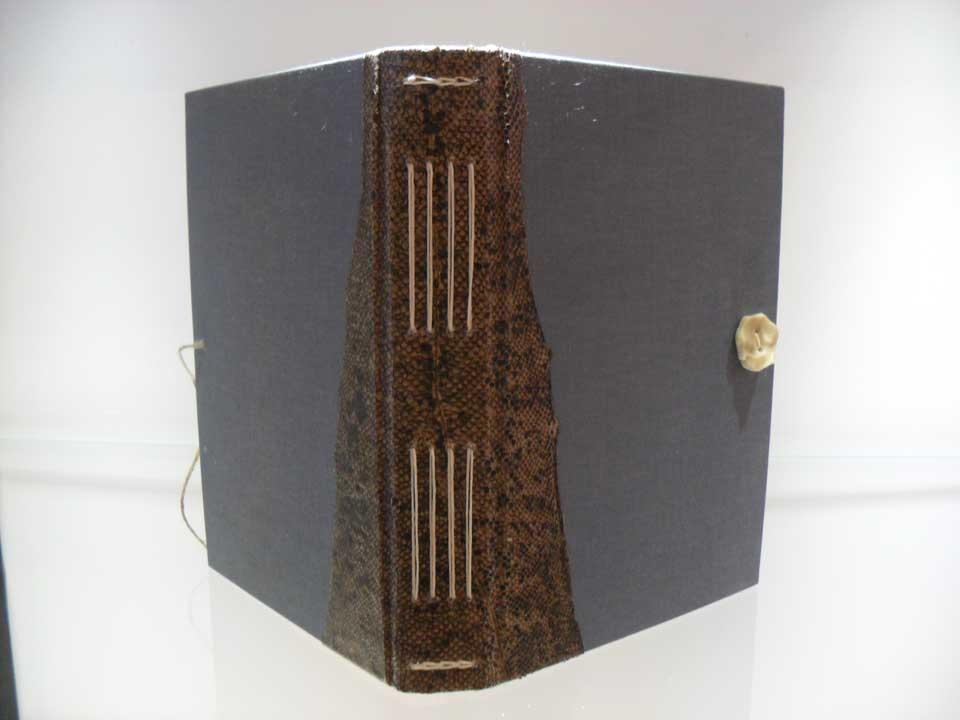 dski-design-longstitch-hardcover-3