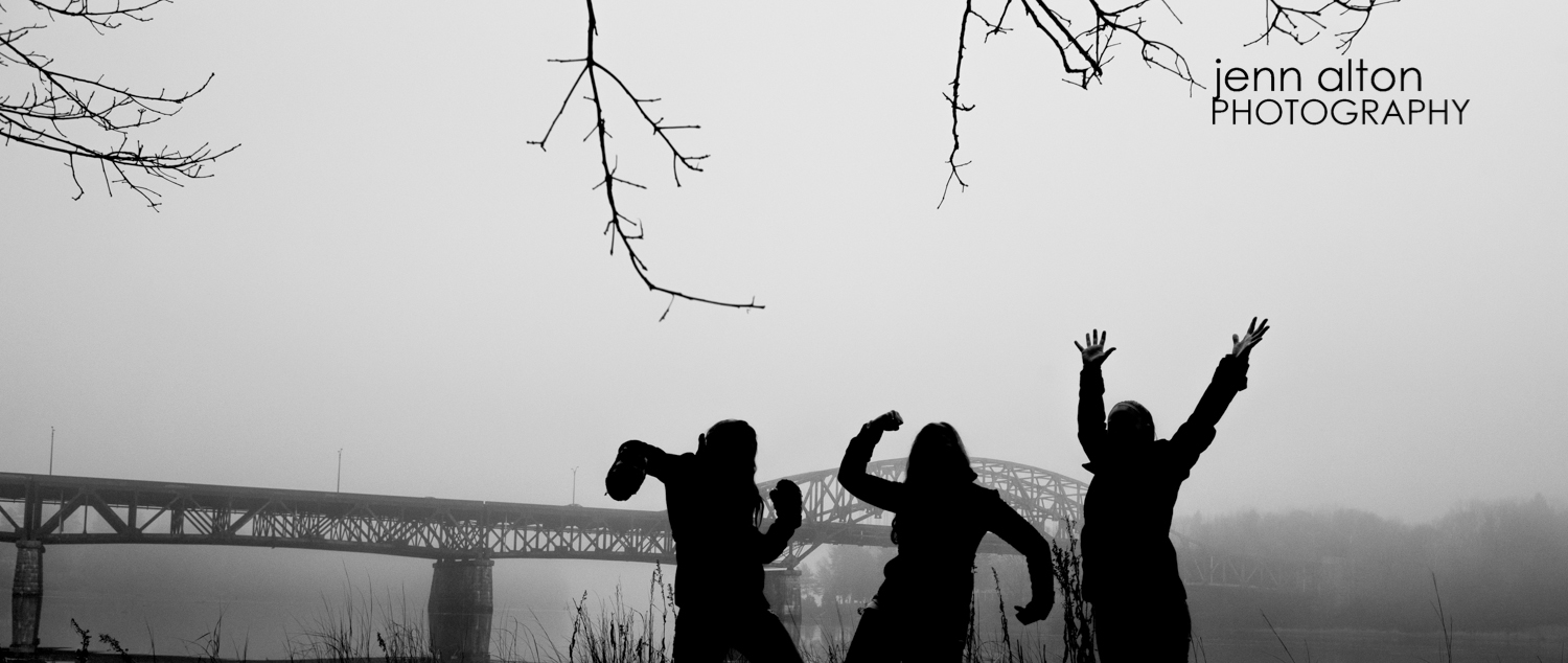 Three sisters outdoor portrait pose, Maudsley Park, Newburyport, MA bridge, fog, Silhouette