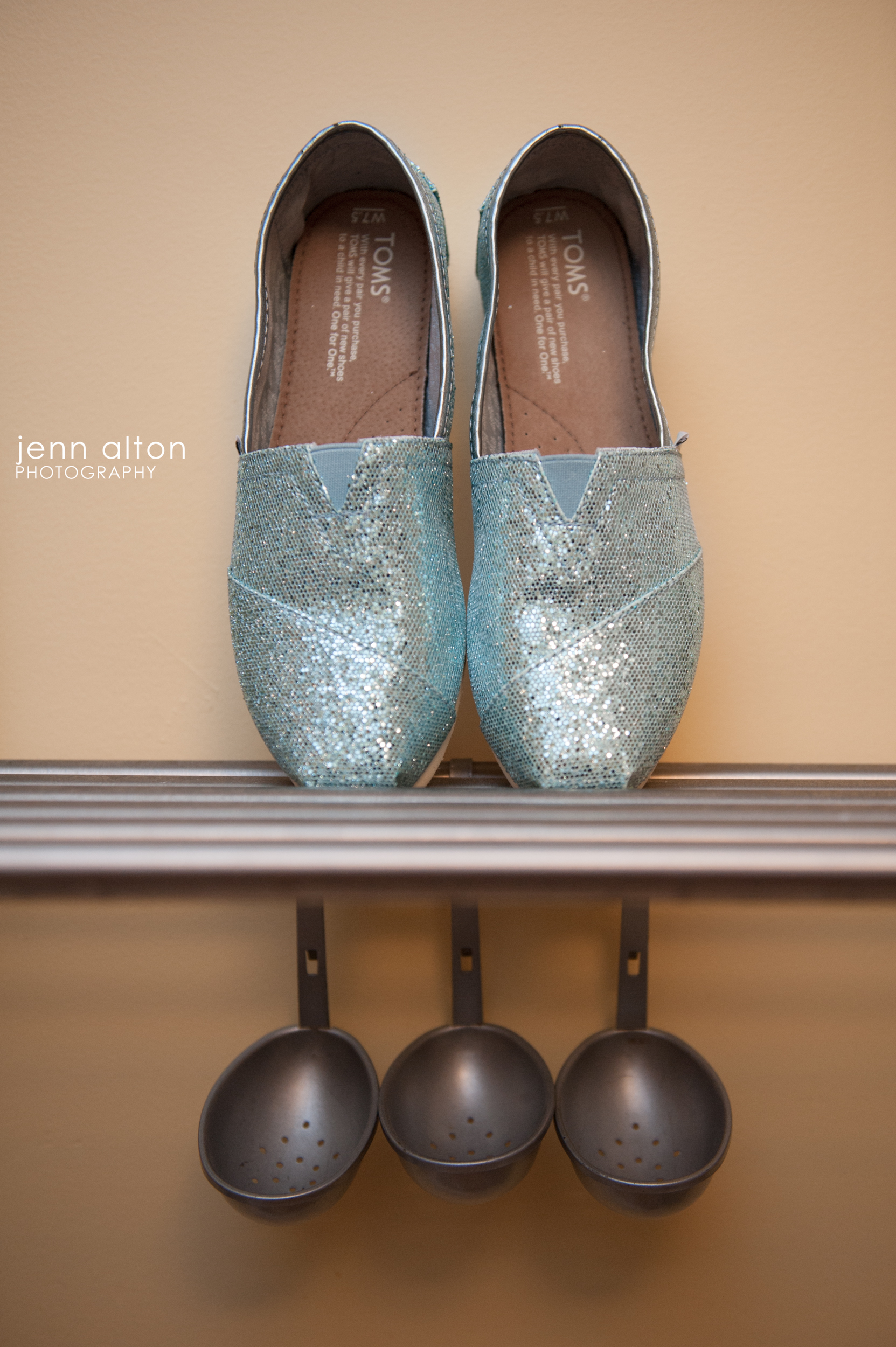 Wedding shoes, blue glitter Toms