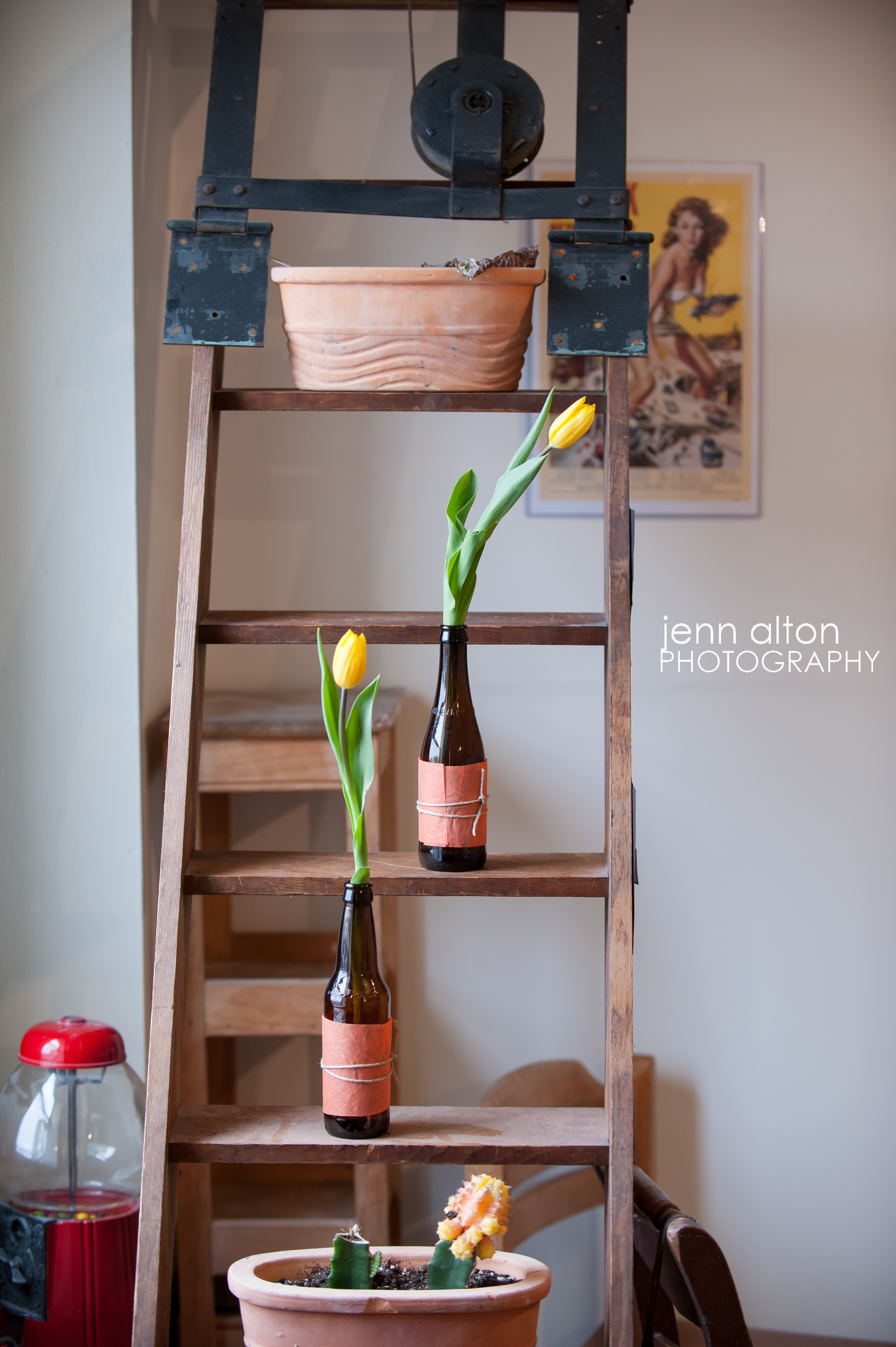 DIY vases and tulips, baby shower decorations