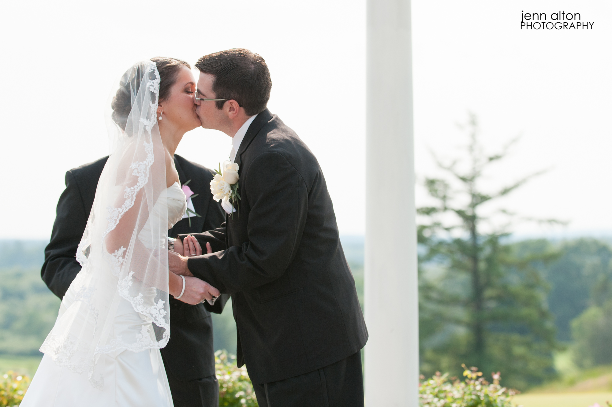 First kiss, Wedding Ceremony