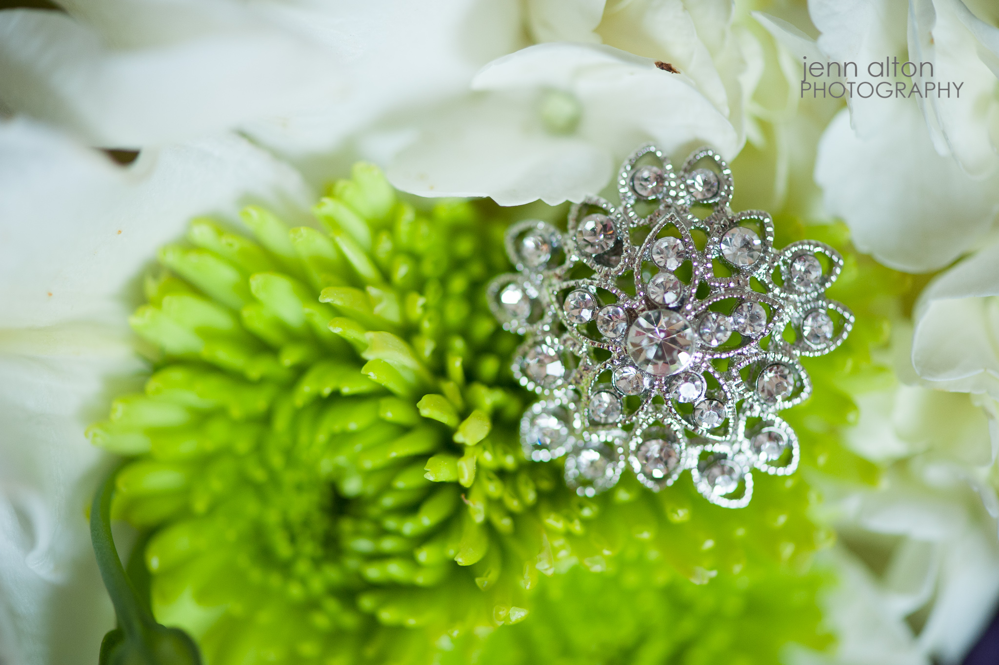 Wedding Bouquet and broche detail