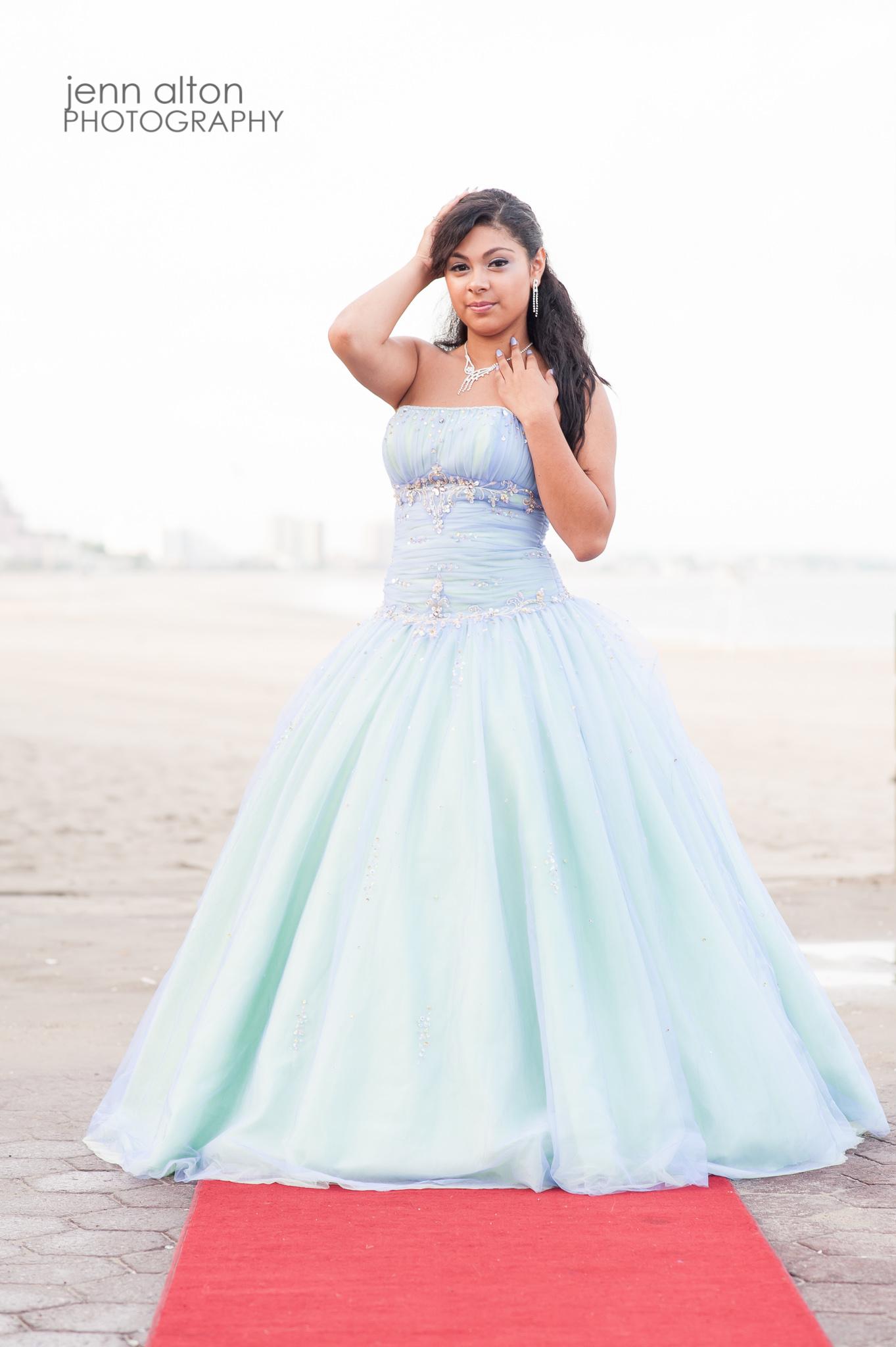 Quinceanera pose, Revere Beach