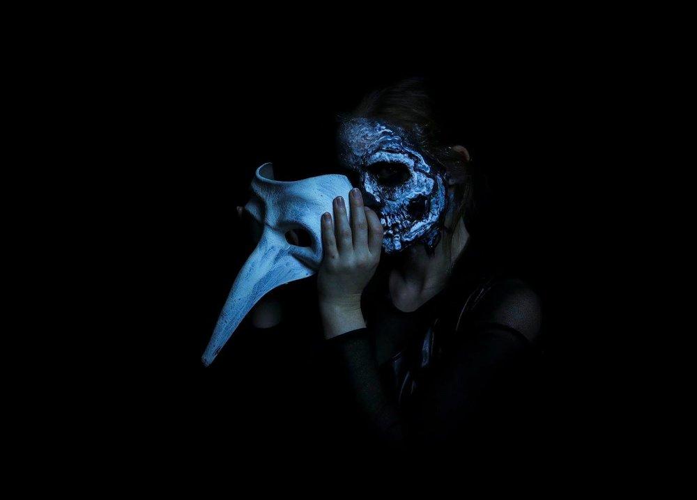 one mask.jpg